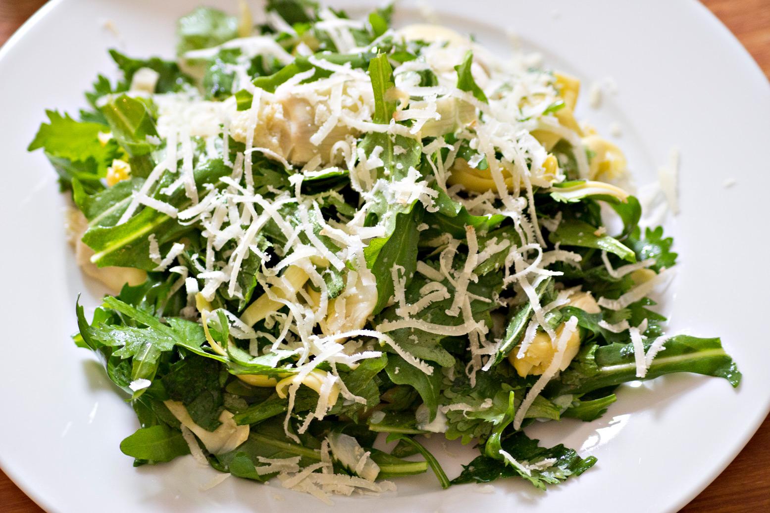 Salat aus Artischocken und Rucola