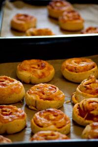 Pizzaschnecken aus dem Ofen