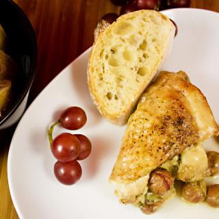 Gefüllte Hähnchenkeulen mit Trauben, Sellerie und Parmesan