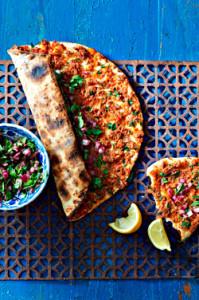 Türkische Pizza - Lahmacun (Foto: Christian Verlag/ Bree Hutchins 2015)