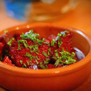 Tapas: Chorizo in Rotwein
