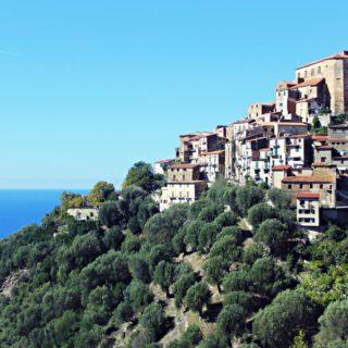 Pisciotta: hoch am Hang gebaut mit fantastischem Ausblick auf das Meer