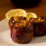 Gefüllte Auberginen mit Hackfleisch und Joghurt-Dip