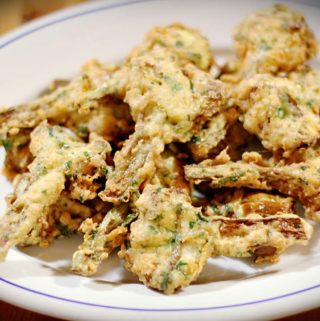 Carciofi fritti: Frittierte Artischocken