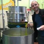 Olivenöl, das flüssige Gold des Südens: Interview mit Olivenöl-Verkoster Arkadius Michalczyk