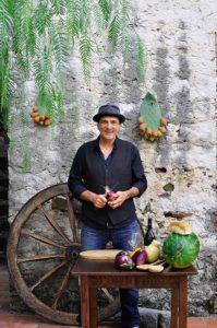Schauspieler Andreas Hoppe auf Sizilien beim Kochen (Foto: Cettina Vicenzino)