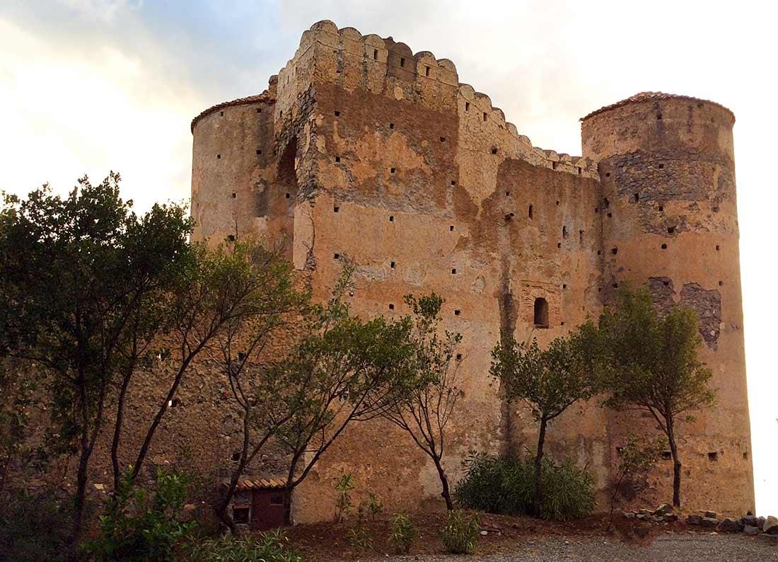 Das Castello di Praia aus der Nähe.