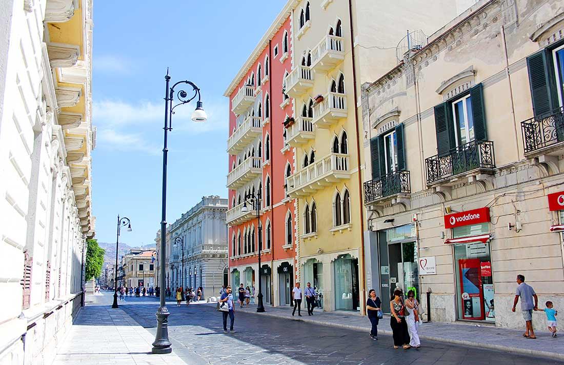 Prachtvolle Stadtvillen auf dem Corso Garibaldi in Reggio Calabria.