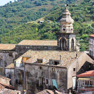 Aufnahme der Sant'Antonio-Kirche in Castiglione di Sicilia.