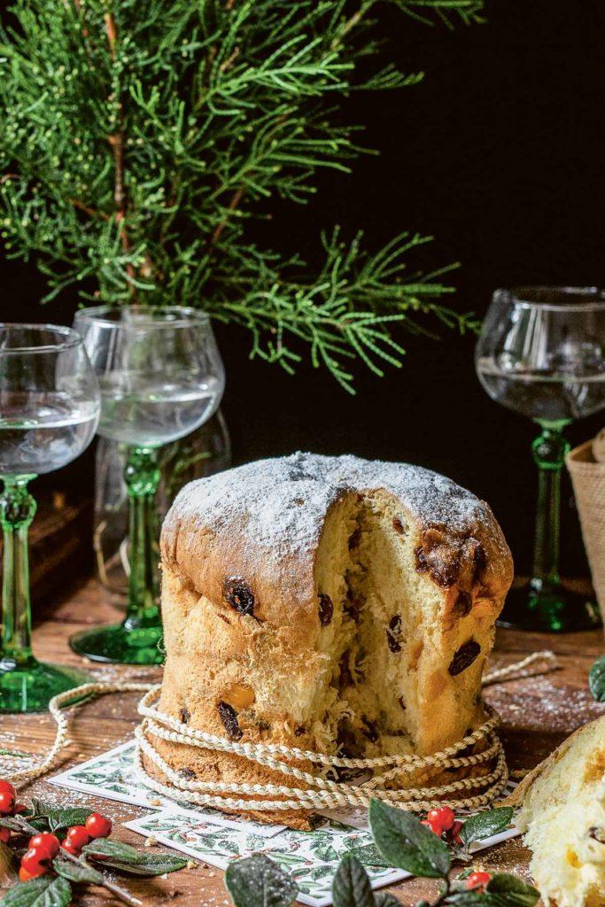Weihnachtlicher Panettone-Kuchen