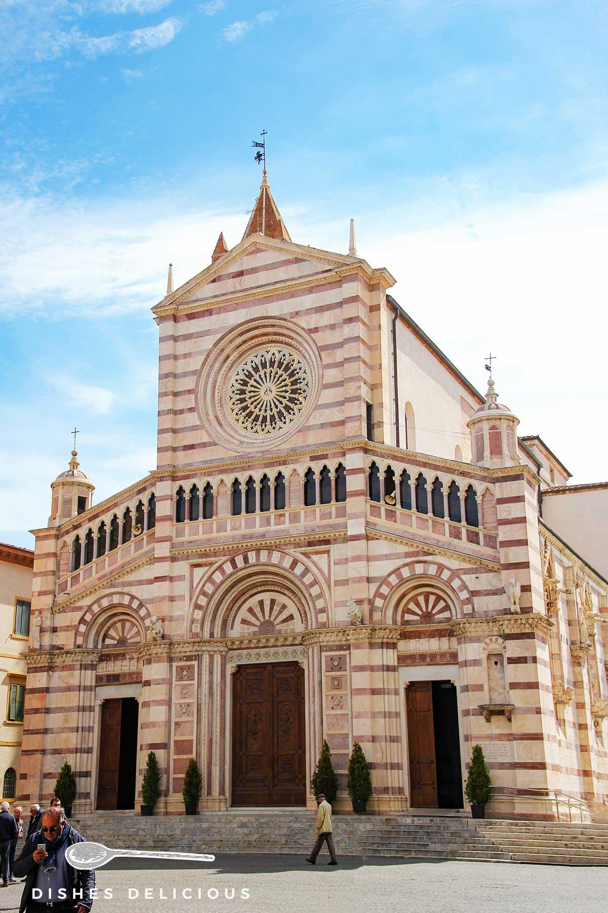 Foto vom Dom San Lorenzo in Grosseto.
