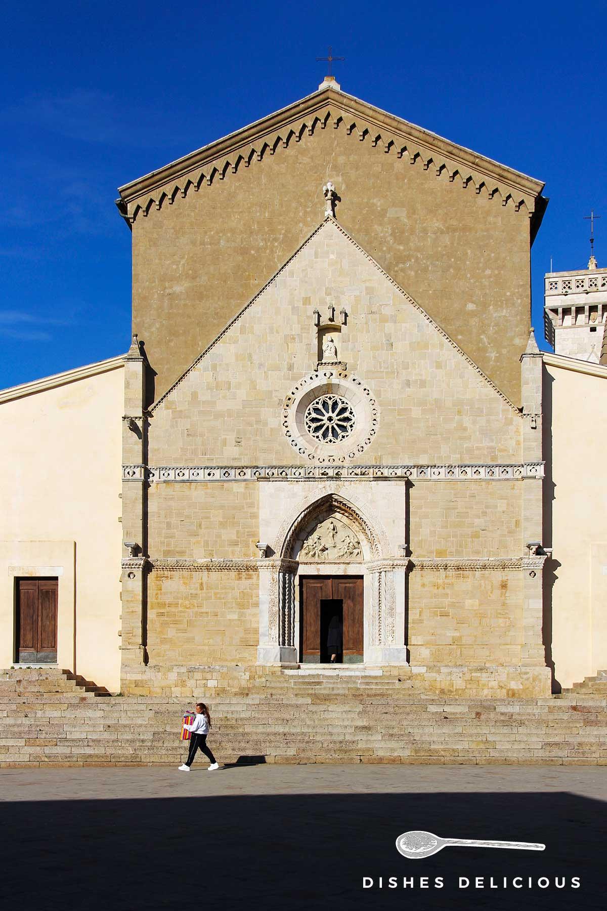 Foto vom Dom Santa Maria Assunta in Orbetello.