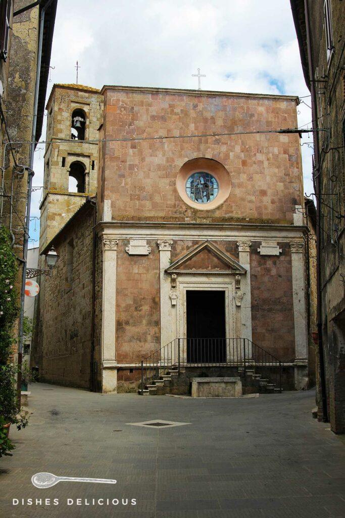 Foto der Kirche Santa Maria e San Rocco in Pitigliano.