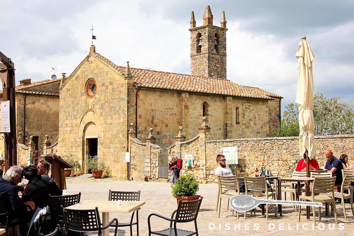 Die Kirche Santa Maria in Monteriggioni