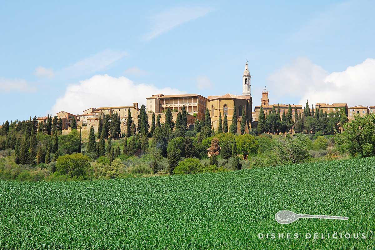 Panoramafoto der Stadt Pienza.