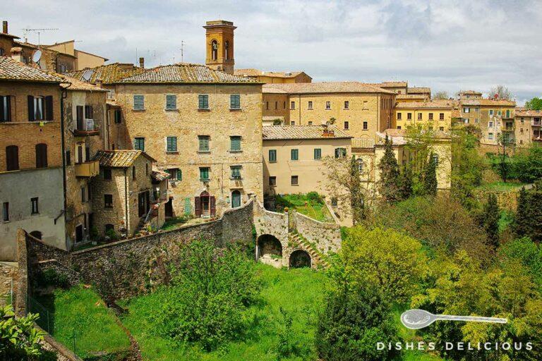 Bild einer Panoramaansicht von Volterra.