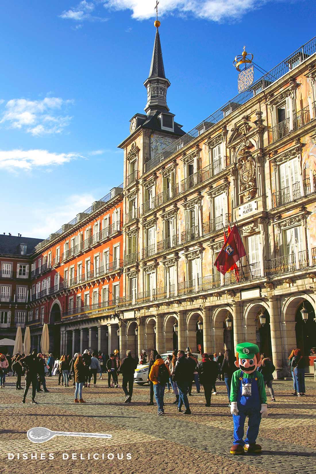Die Casa de la Panadería an der Plaza Mayor mit Wandverzierungen